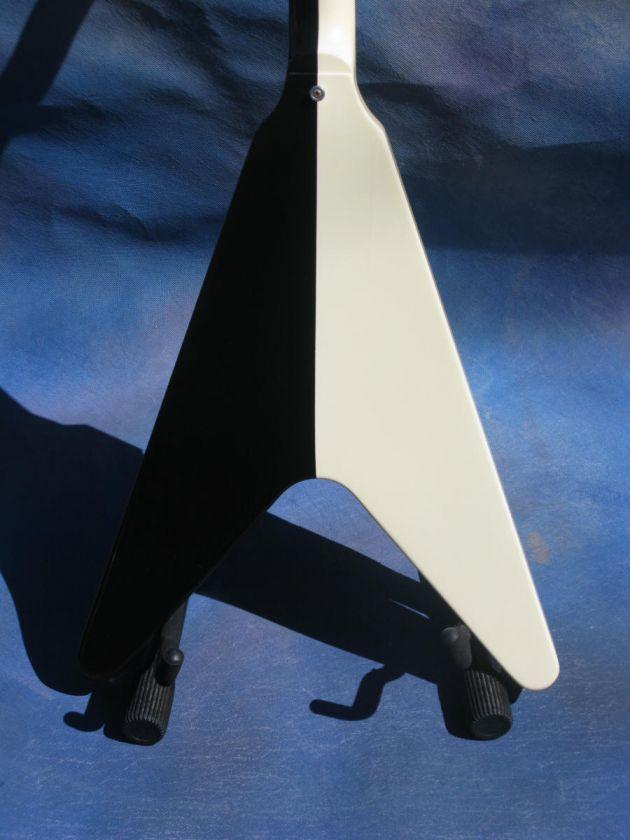 1993 GIBSON MICHAEL SCHENKER BLACK / WHITE FLYING V